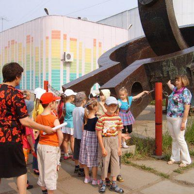 Памятный знак в Усть-Илимске